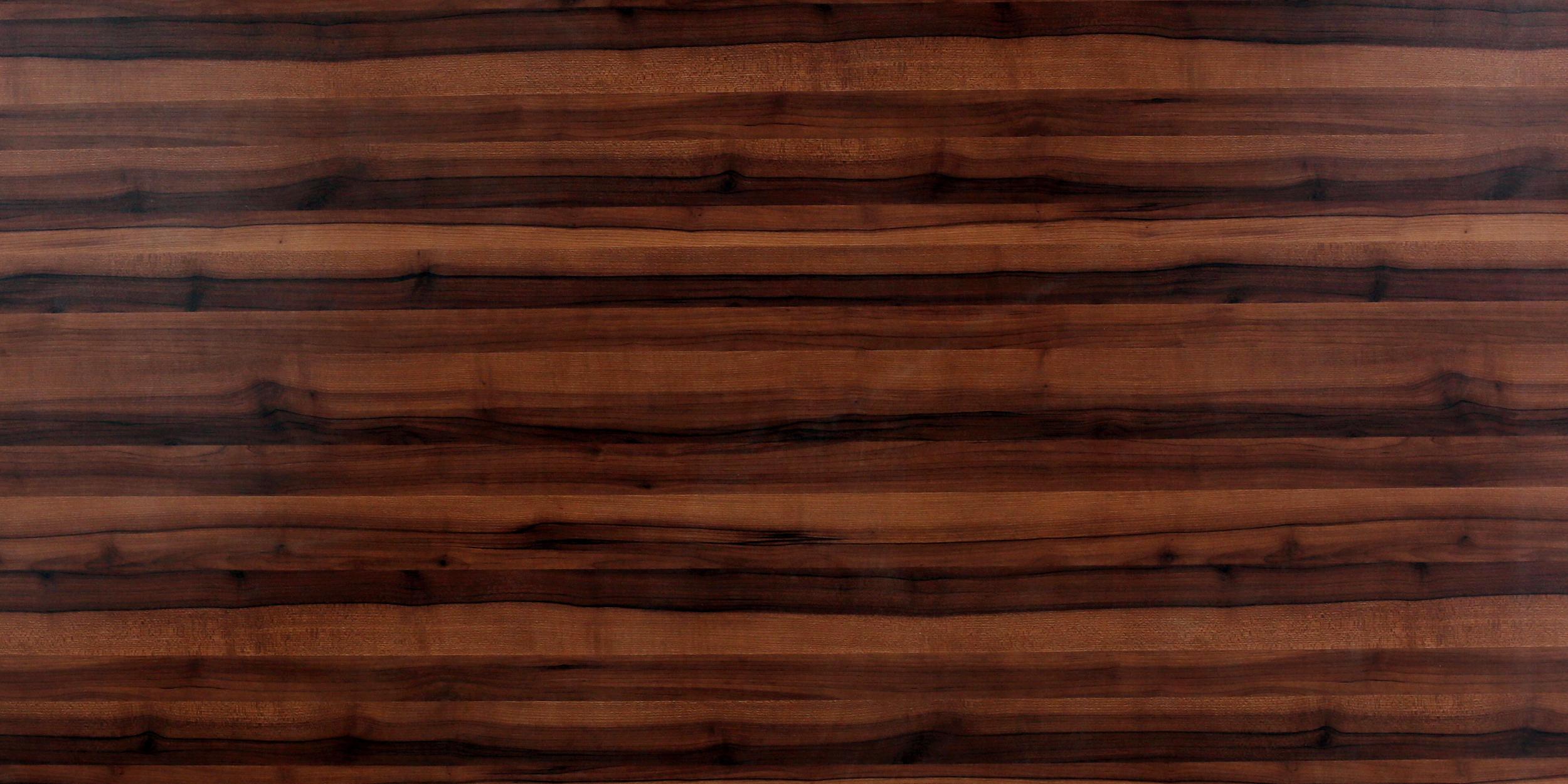 847 SF Choco Wood
